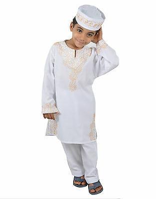 3 Children Children's Costume in Style